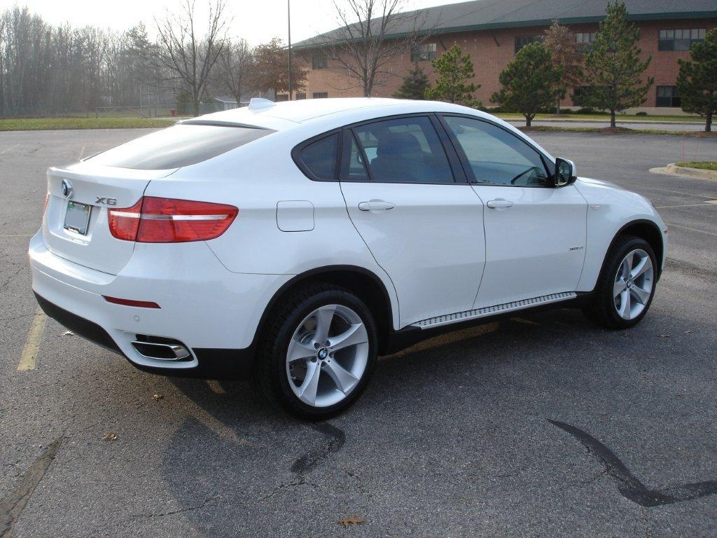 Pictures Of The New 2010 Alpine White X6