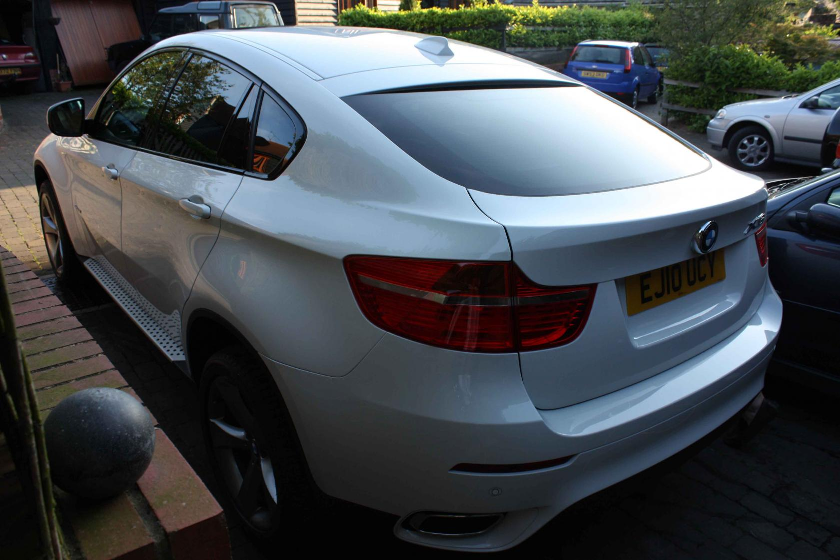 New X6 40d Alpine White Red Leather