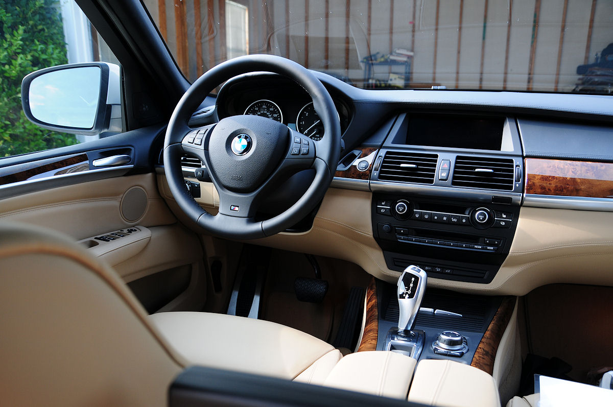 Multi Contour Seats And Nappa Leather Dashboard